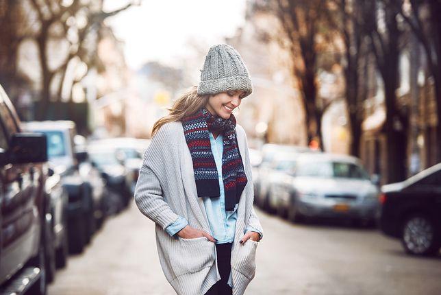 Jesienią i zimą kardigan może okazać się niezbędny