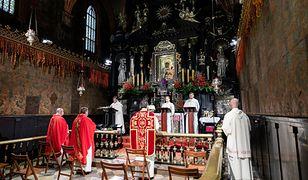 Msza rezurekcyjna w Niedzielę Wielkanocną 4.04.2021 r. Oglądaj na żywo od 8:00