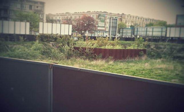 """Plac w śródmieściu Gdańska zostanie w końcu zabudowany. Zniknie """"Dziura Wstydu"""""""