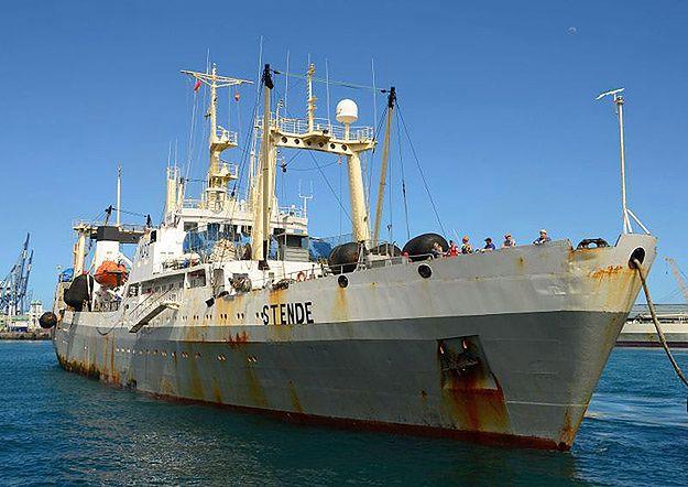 """Zdjęcie wykonane w 2013 r. przedstawia trawler """"Stende"""", którego nazwę po zmianie właściciela w 2014 r. przemianowano na """"Dalnij Wostok"""""""