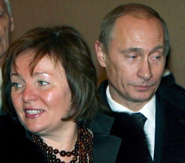 Luksusowa willa, młodszy mąż to nowe życie eks Putina