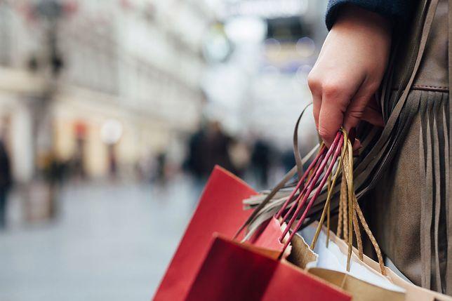 Pierzesz kupione ubrania? Badania mówią, że powinieneś