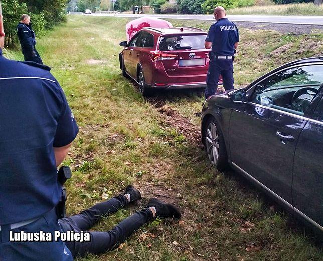 Sulęcin. Pościg za skradzionym autem. Kierowca uciekł w las i udawał grzybiarza