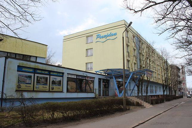 """Ośrodek Sanatoryjno-Wczasowy """"Posejdon"""" w Kołobrzegu został zamknięty. Kuracjusze idą na kwarantannę z powodu wykrycia przypadku koronawirusa"""