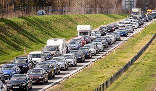 Zderzenie czterech samochodów na A1. Akcja służb