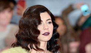 Marina Diamandis opublikowała zdjęcie siwych włosów. Stoi za nim mocne przesłanie