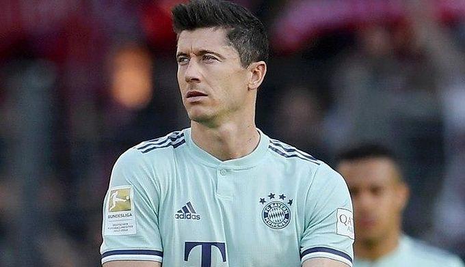4e7be2c83 Bundesliga. Robert Lewandowski: To zaszczyt być drugim, po wspaniałej  legendzie