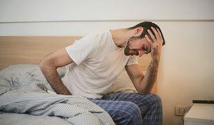 Koronawirus a silne bóle głowy. Nowe badania