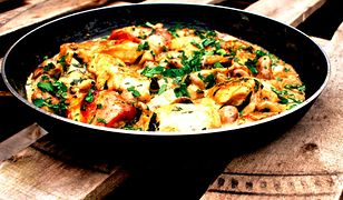 Kurczak w aromatycznych pieczarkach. Szybki i sycący obiad