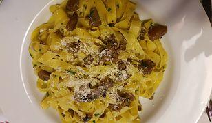 Makaron tagliatelle z grzybami to świetny pomysł na łatwy w przygotowaniu obiad.