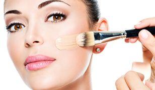 Podkład kryjący sprawi, że skóra będzie wyglądała na zdrową i wypoczętą