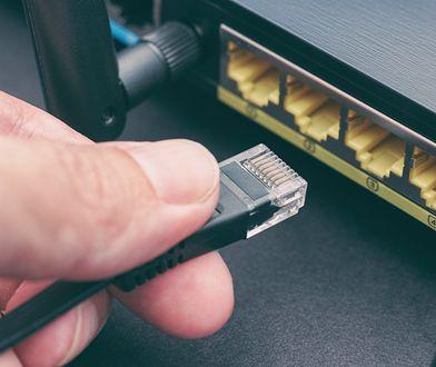 Podłączenie routera jest proste i nie zajmuje wiele czasu.