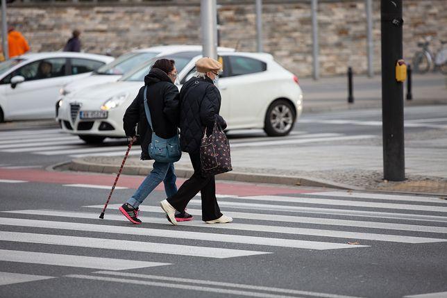 Na złożenie wniosku do ZUS-u emeryci mają jeszcze tylko kilka dni.