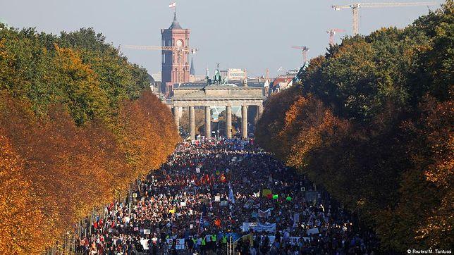 Berlin: Wielotysięczna demonstracja przeciwko rasizmowi