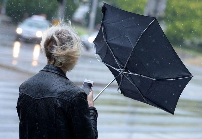 IMGW rozszerza alert wiatrowy na 14 województw