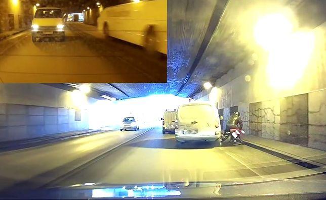 #dziejesiewmoto: kierowca taranuje motocyklistę