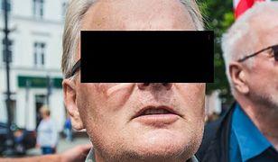"""Waldemar B. z zarzutami. Sąsiedzi powiesili plakaty """"Dewiant"""""""