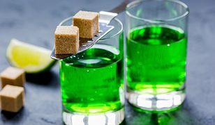 """Ze względu na niezwykły kolor absynt nazywano """"zieloną wróżką"""""""