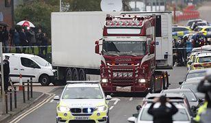 Wielka Brytania. Essex. Ciężarówka z 39 ciałami została znaleziona między magazynami