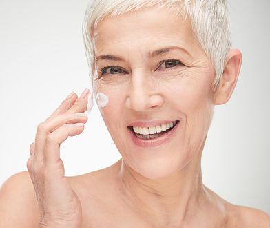 Z wiekiem nasza skóra wymaga większego nawilżenia i natłuszczania niż przed czterdziestką