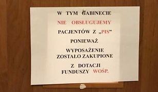 Taka kartkę na drzwiach gabinetu wywiesił lekarz Wojciech Wieczorek