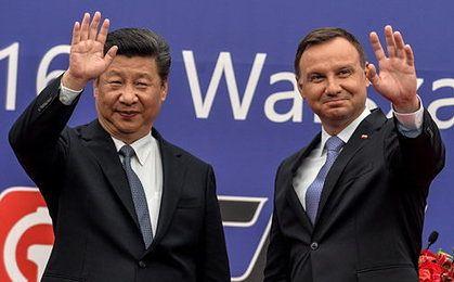Kapitał coraz szybciej wycieka z Chin. Państwo skontroluje inwestycje zagraniczne