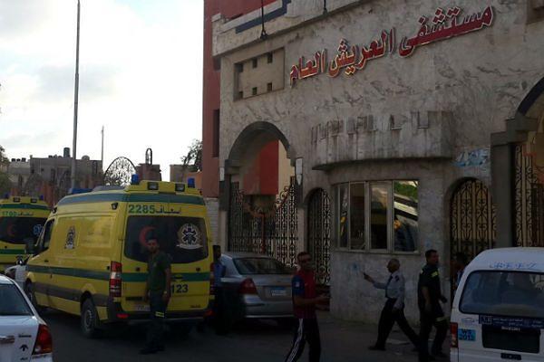 Co najmniej 100 bojowników i 17 żołnierzy zabitych na Synaju