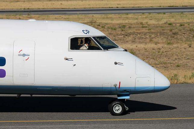Podczas lądowania pilotowi odpadła proteza