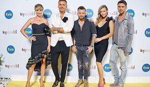 Prowądzący oraz jurorzy Top Model - pokaz mody na planie Top Model