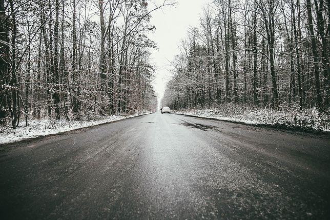 Pogoda. Marznący deszcz i śnieg spowoduje oblodzenia. Alerty IMGW