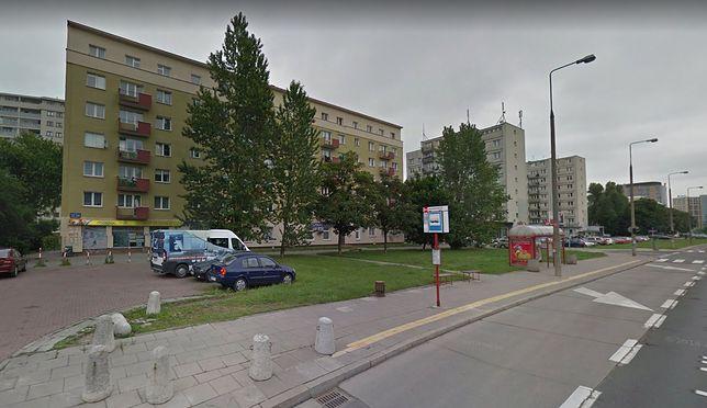 Blok przy al. Niepodległości 32/34 w Warszawie.