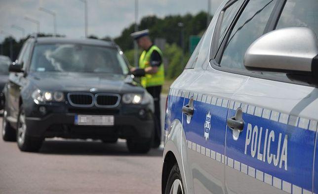 W ubiegłym roku policja odzyskała tylko dwa auta skradzione z parkingów przy komendach
