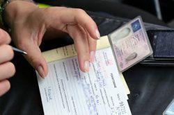 Kolejarze chcą zabierania prawa jazdy za łamanie przepisów na przejazdach