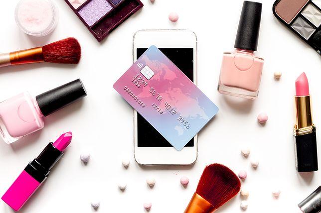 Czym sugerujemy się przed zakupem kosmetyków?