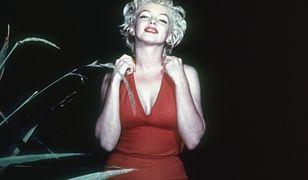 """Rozbierana scena Marilyn Monroe z filmu """"Skłóceni z życiem"""" przypadkiem odnaleziona."""