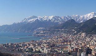 Salerno leży w zatoce Morza Tyrreńskiego