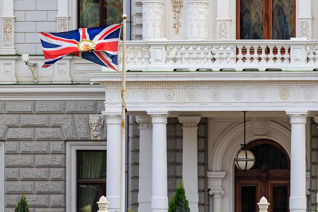 Turyści dzwonili do placówek dyplomatycznych Wielkiej Brytanii z pytaniami na temat m.in. programów telewizyjnych