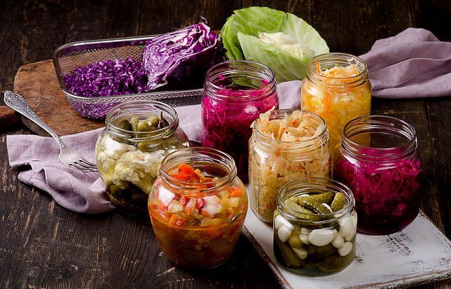 Przetwory to ogólne określenie na produkty spożywcze, które zostały zakonserwowane w taki sposób, że długo pozostają przydatne do spożycia. Przepisy na przetwory