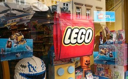 """Chińska gospodarka ma problemy, ale prezesa Lego to nie rusza: """"Inwestujemy!"""""""