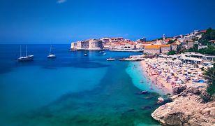 Plaże w Chorwacji w sezonie są pełne turystów