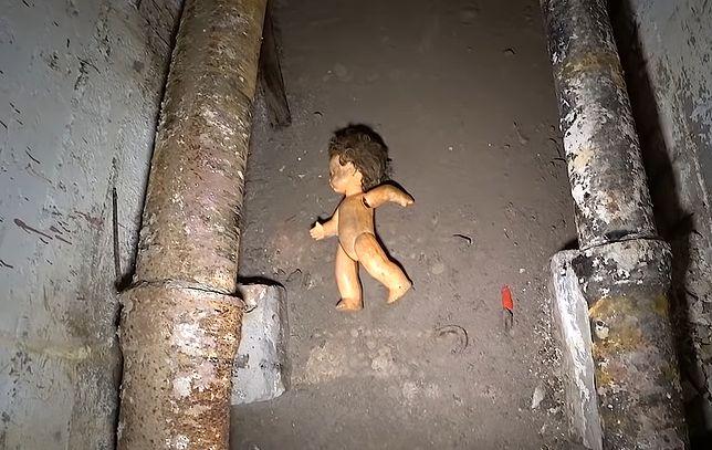 Do zwiedzania podziemnych korytarzy obiektu przy ul. Sobieskiego 100 w Warszawie potrzebne są nerwy ze stali