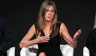 """Jennifer Aniston pokazała zdjęcie przyjaciela z COVID-19. """"Nie bądźmy tak naiwni, myśląc, że możemy to prześcignąć"""""""