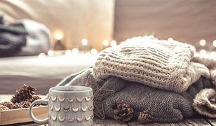 Swetry na jesień do 80 zł. Znajdziesz je w sieciówkach