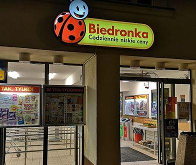 """Kraków. Ochroniarz Biedronki brutalnie zaatakował klienta. """"Zostałem poniżony"""""""