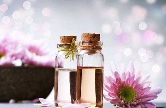 Hydrolaty powstają przy produkcji uzyskiwania olejków zapachowych