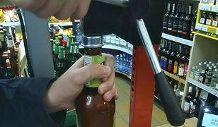 Co z tego, że w sklepie otwierają piwo, klient sam może je sobie zamknąć.