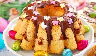 Wielkanocna babka na białkach