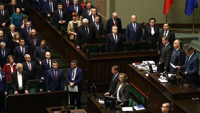Do Sejmu weszłoby sześć partii