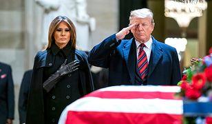 Trumna z ciałem George'a Busha została wystawiona na widok publiczny