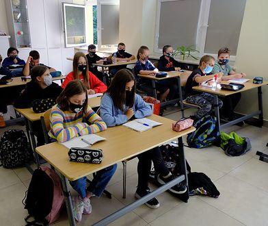 Tajny agent w klasie. Nauczyciele wprowadzają kontrowersyjną metodę